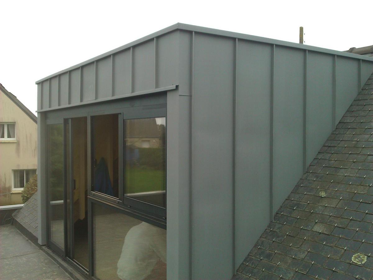 Lucarne en zinc sur renovation a Baden Morbihan 56